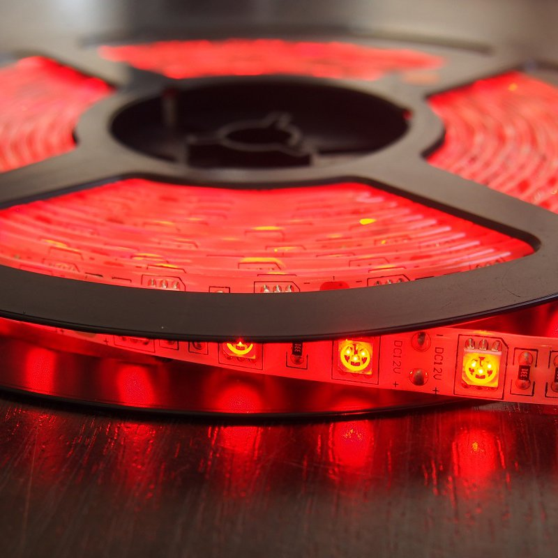 Светодиодная лента 9,6Вт 12V Красная на заказ от ELEGANZ